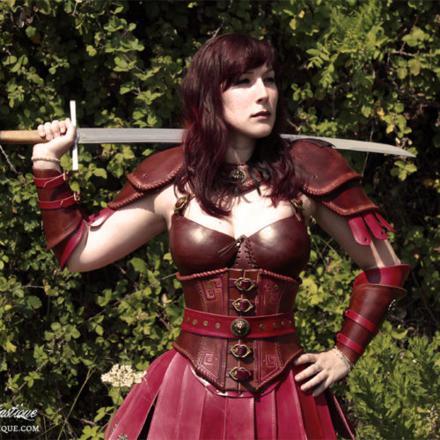 armure de cuir femme