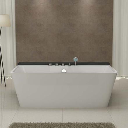 baignoire avec robinetterie intégrée