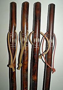 baton en bois sculpté