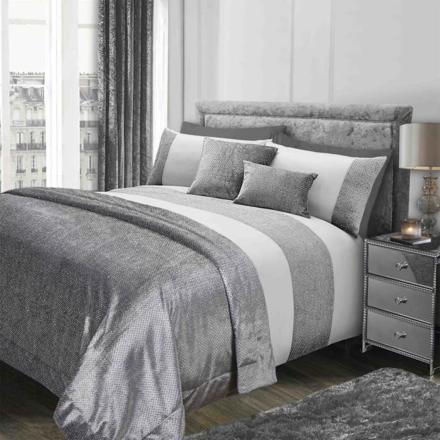 couvre lit argenté