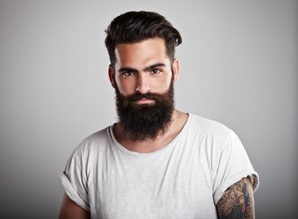 barbe pousse plus vite