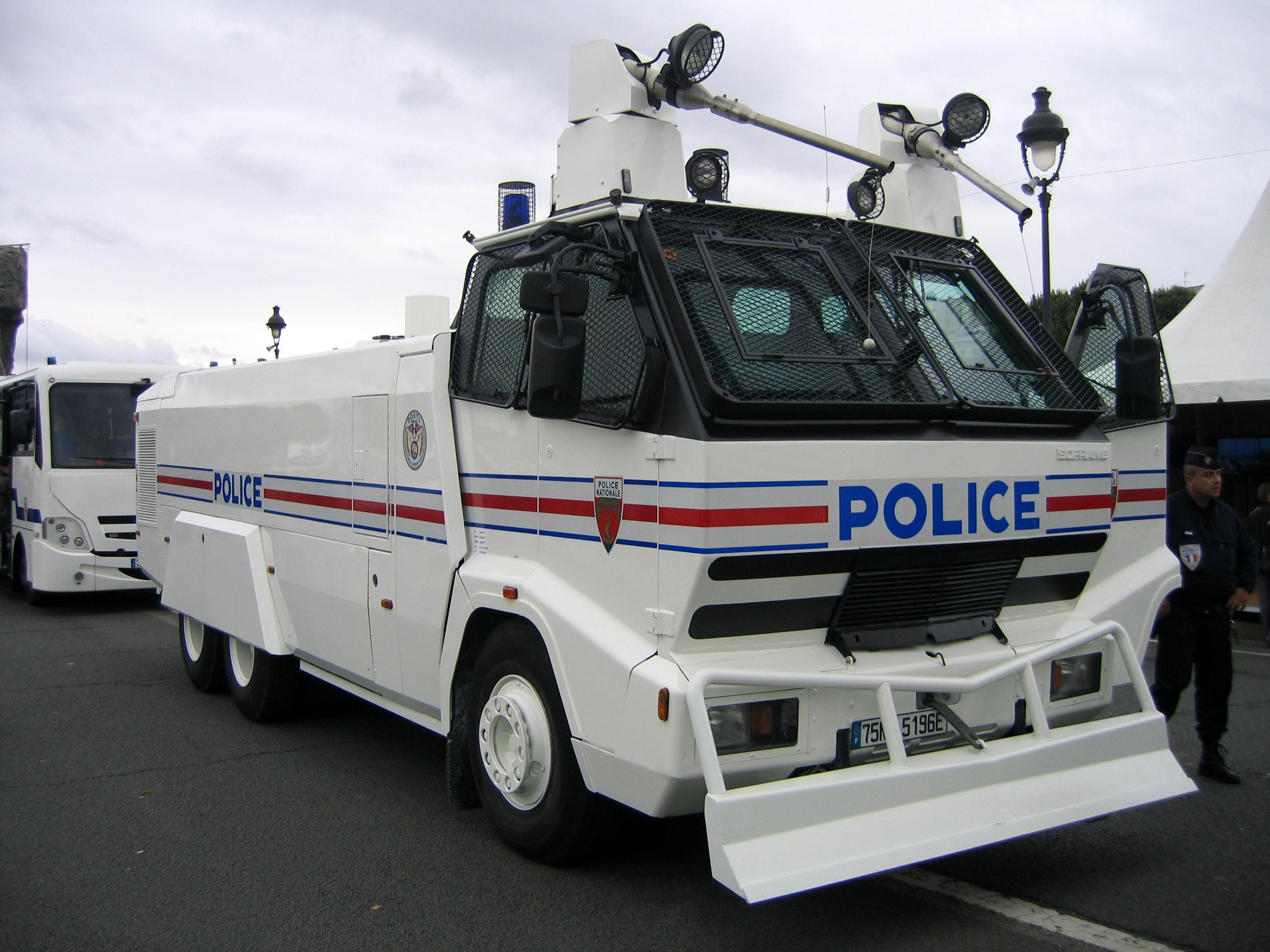 camion de police