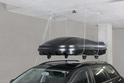 coffre de toit sur barre longitudinale