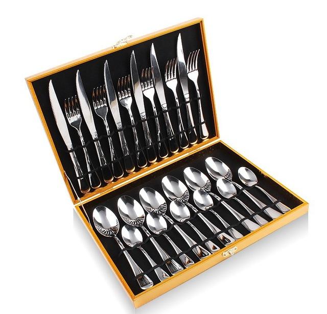 ensemble cuillère fourchette couteau