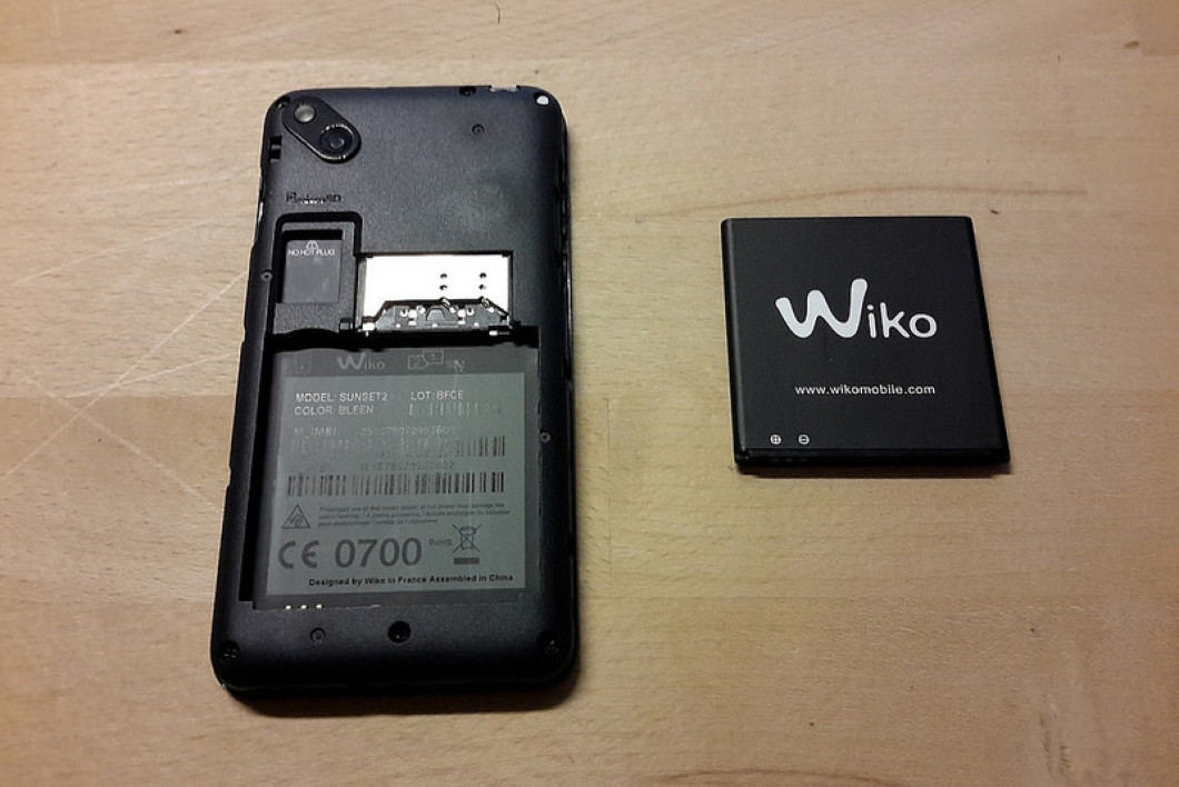 mettre une carte sim dans un wiko