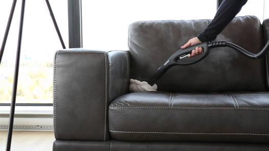 nettoyer canapé cuir noir