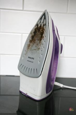 nettoyer un fer à repasser vapeur