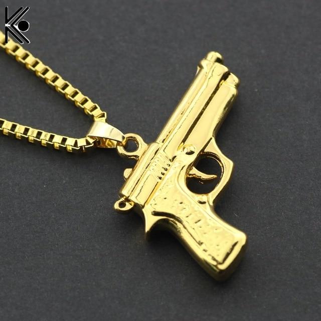 pendentif gun