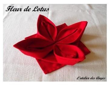 pliage serviette tissu fleur