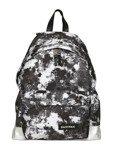 sac a dos eastpak noir et blanc