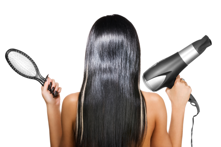 se lisser les cheveux avec un seche cheveux