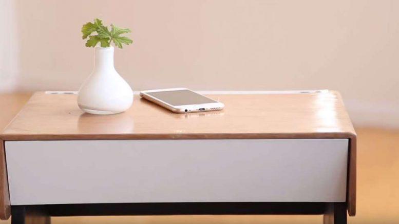 table de chevet connectée